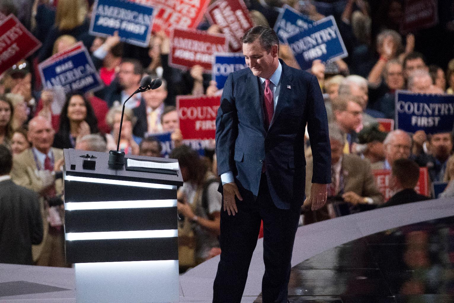 Ted Cruz Is Booed Off the Stage in Cleveland