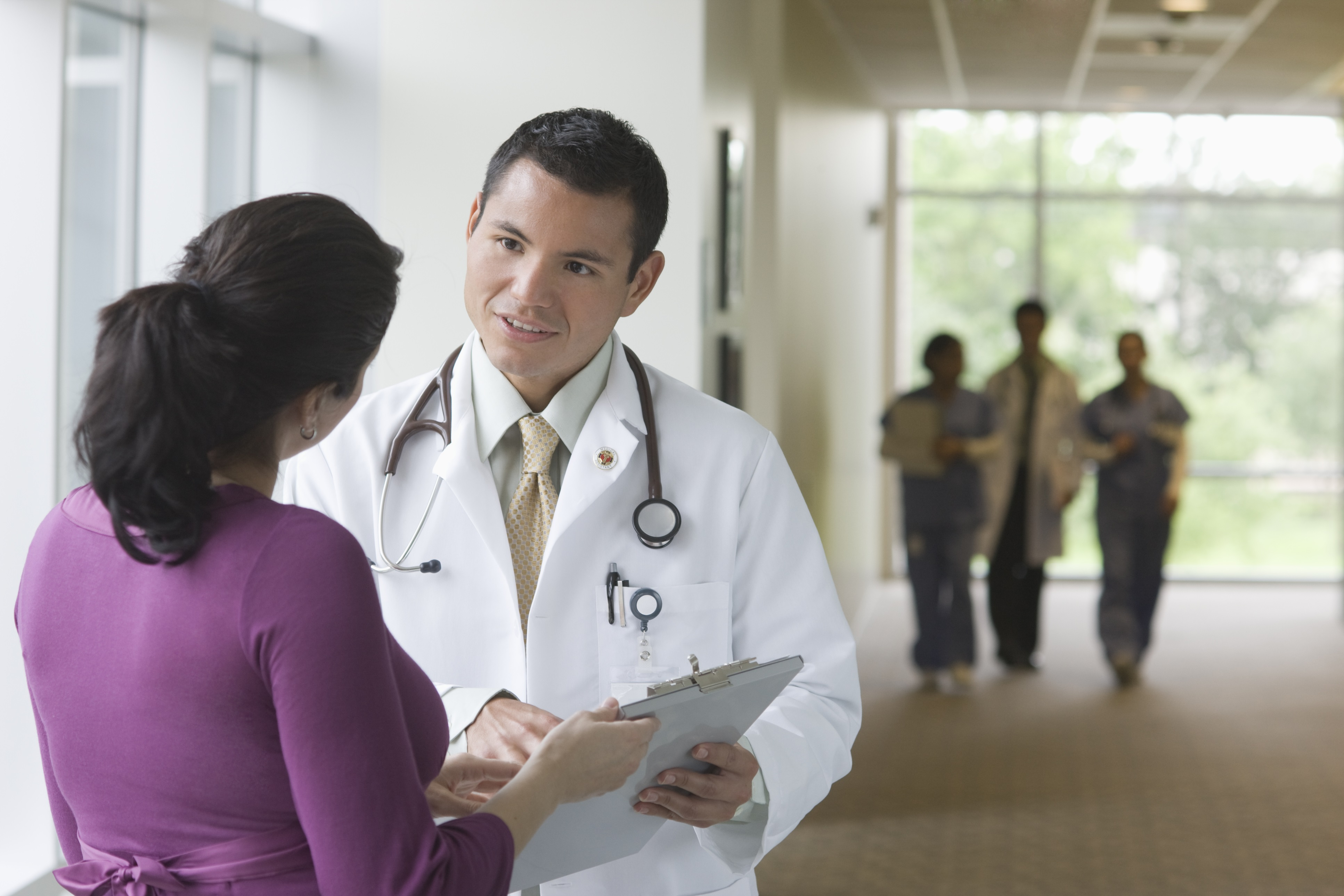 Pre-med, med students, Doctors: How should I go about completing my science courses?