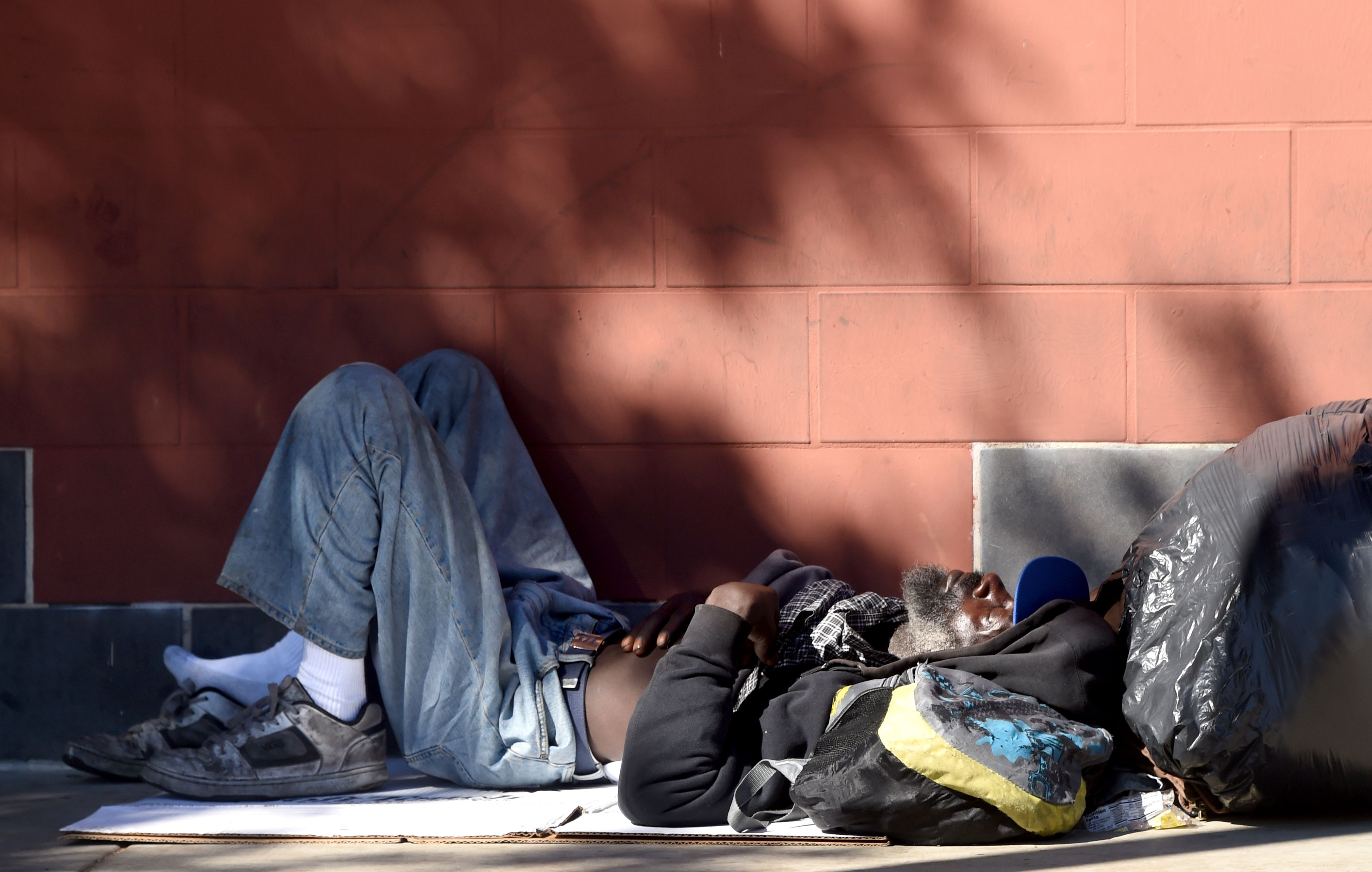homelessness in us Homelessness, generally considered an urban problem, seems to be creeping into smaller cities and towns new research from the office of housing and urban development says it's also impacting more families.