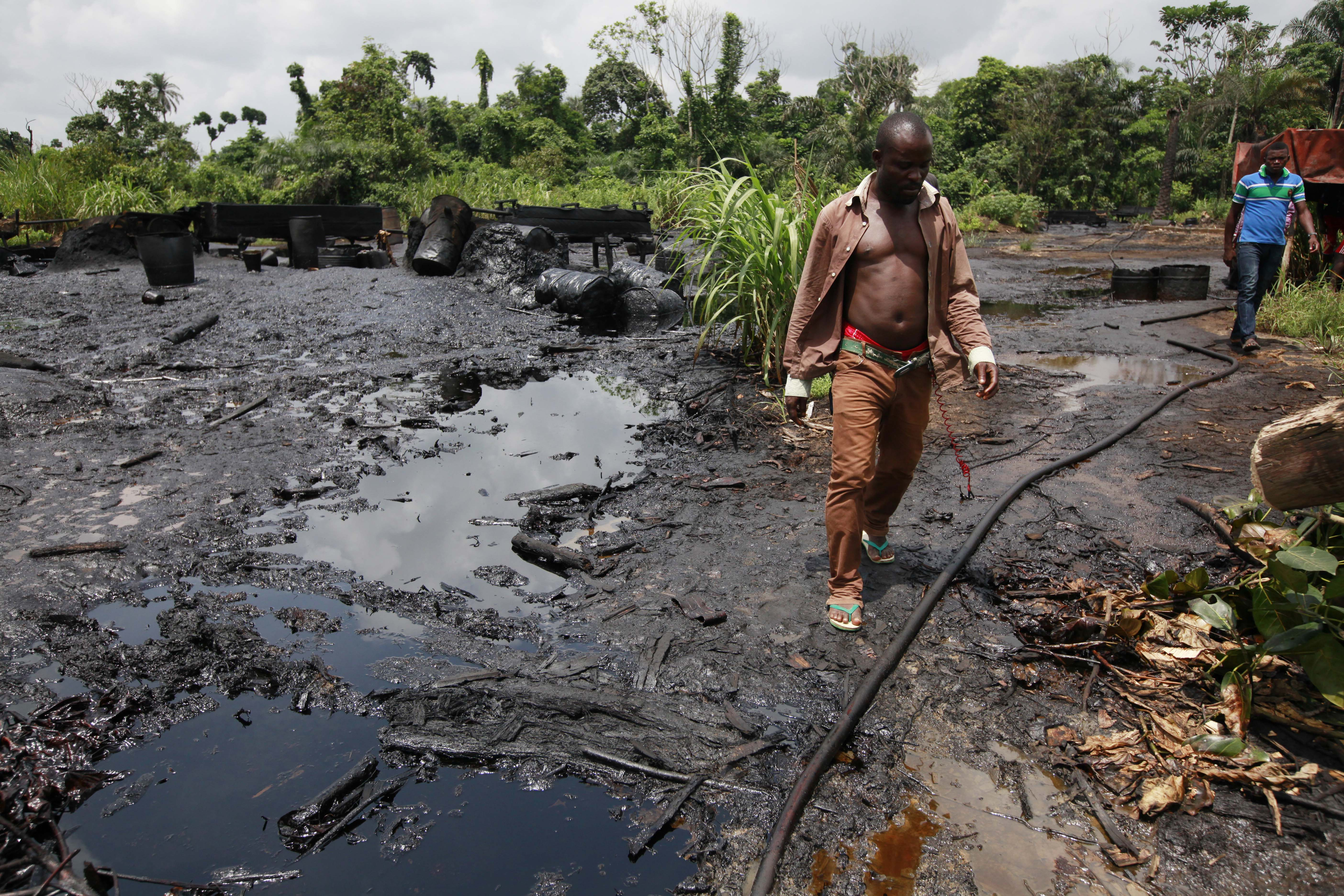 a look at shell oil and the explorations of nigeria New gas and oil drilling explorations and concessions are popping up all over the  arctic 1, shell oil 0,  what does a terrestrial oil spill look like.