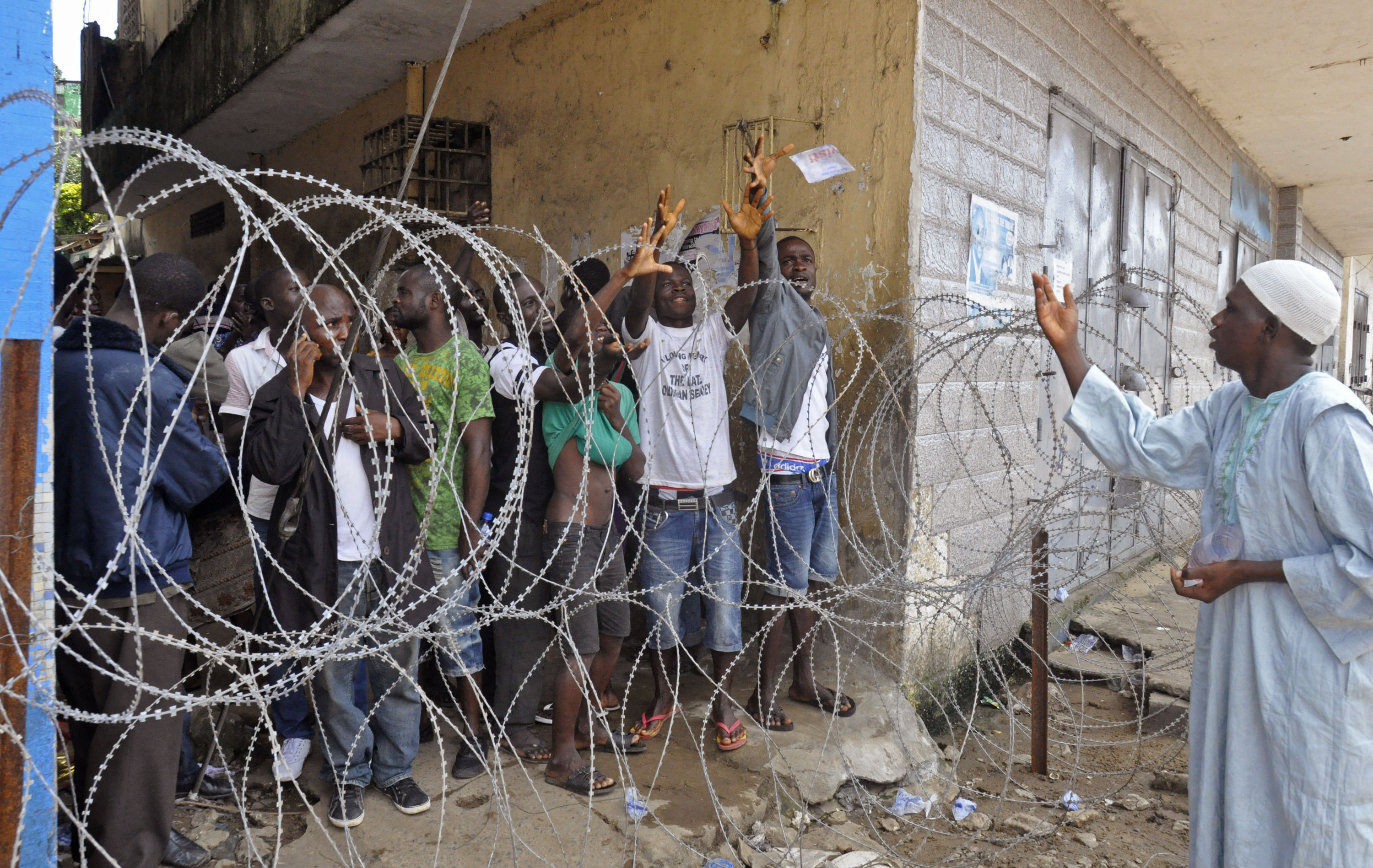Cars No Money Down >> Ebola Containment 'Chaotic and Entirely Inadequate,' Says Doctors Without Borders | Newsgram ...