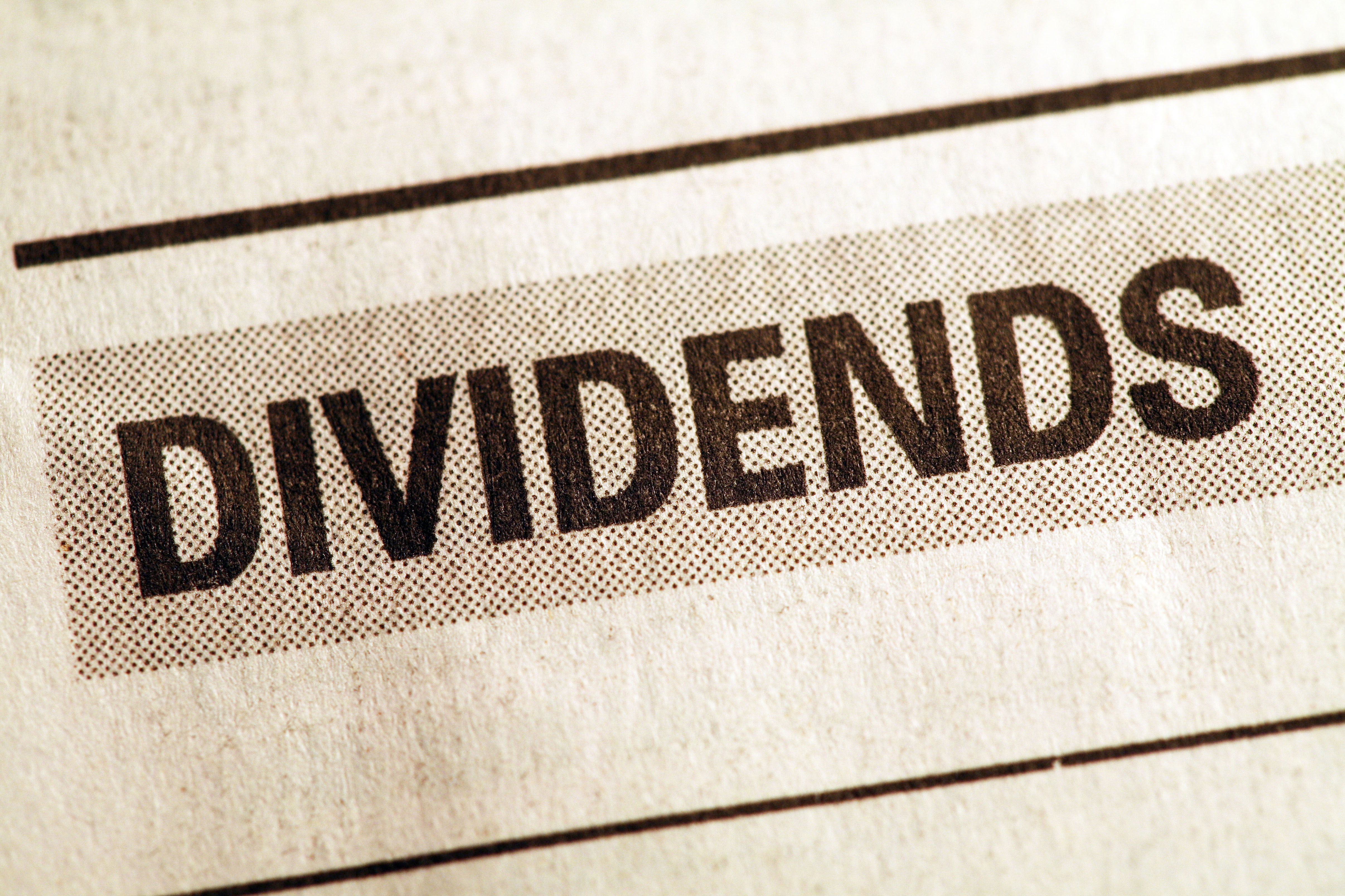 Stock market and dividend payout