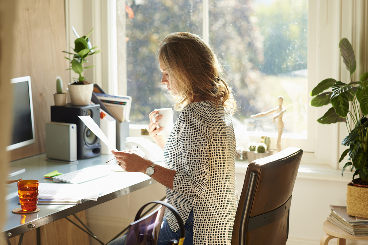 6 steps to spring clean your workspace and boost for Home office pics