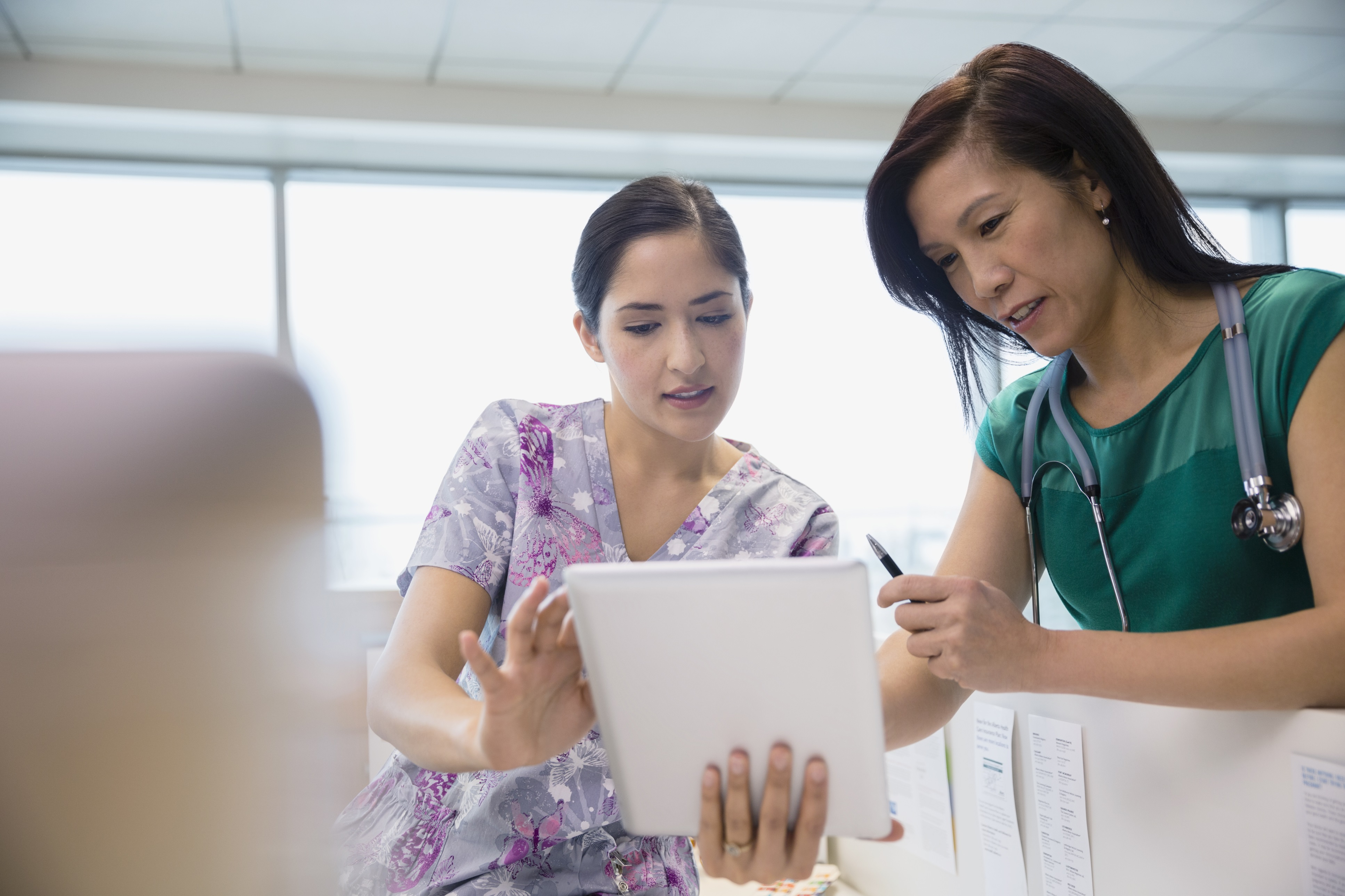 questions to ask when choosing an online graduate nursing 5 questions to ask when choosing an online graduate nursing program online colleges us news