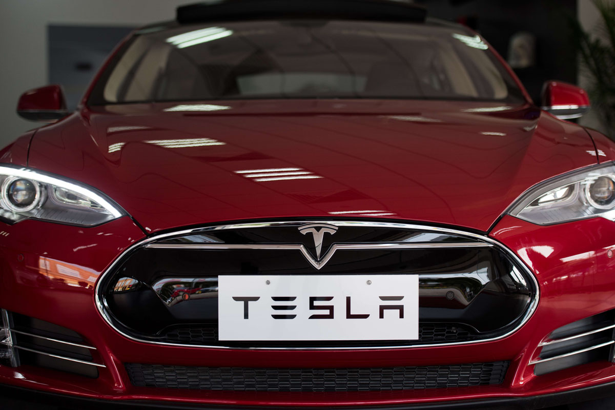New Autopilot May Have Prevented Fatal Crash, Tesla Motors Inc CEO Says (TSLA)