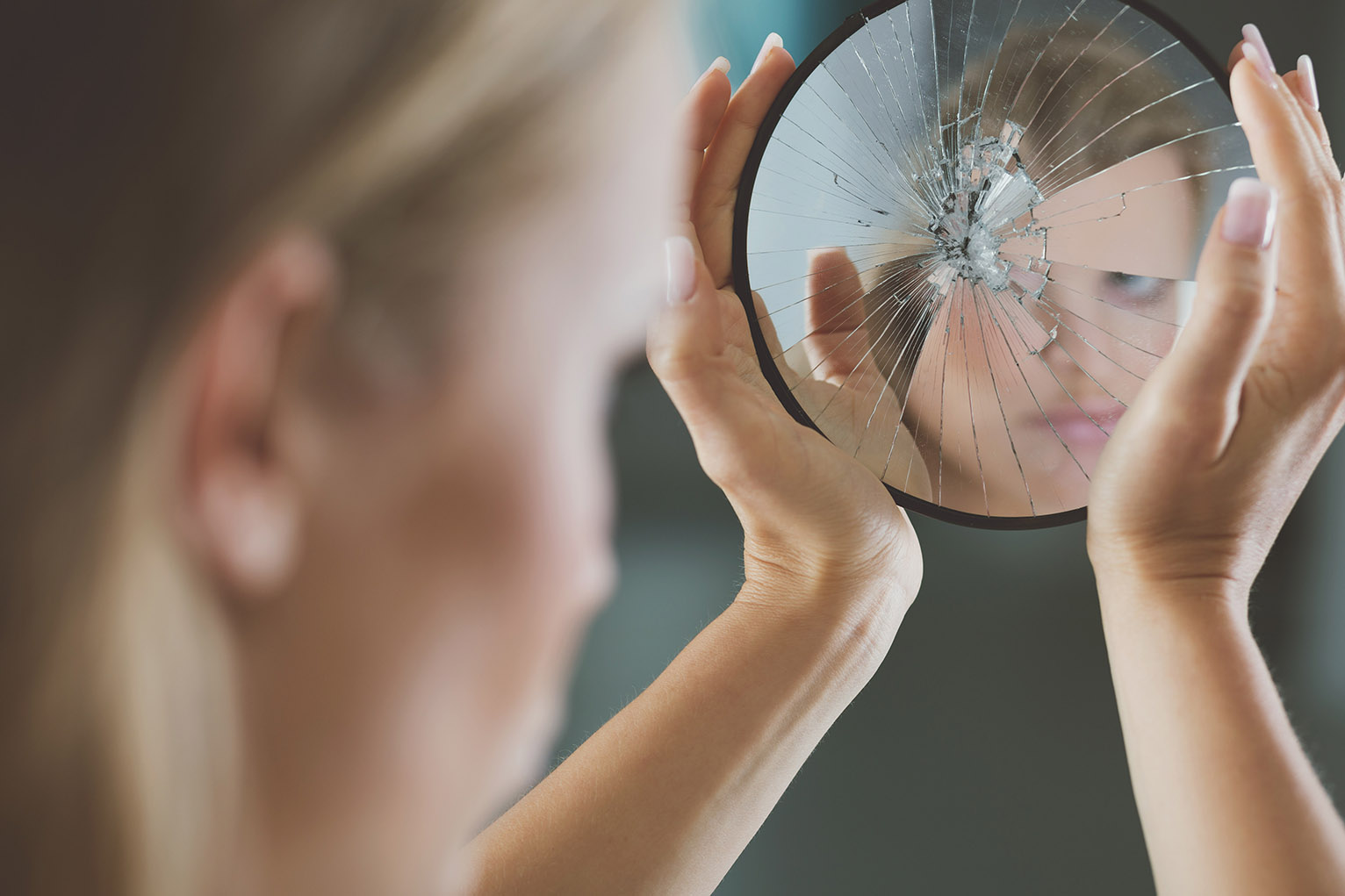 13 superstitions from around the world best countries for 2 miroir face a face