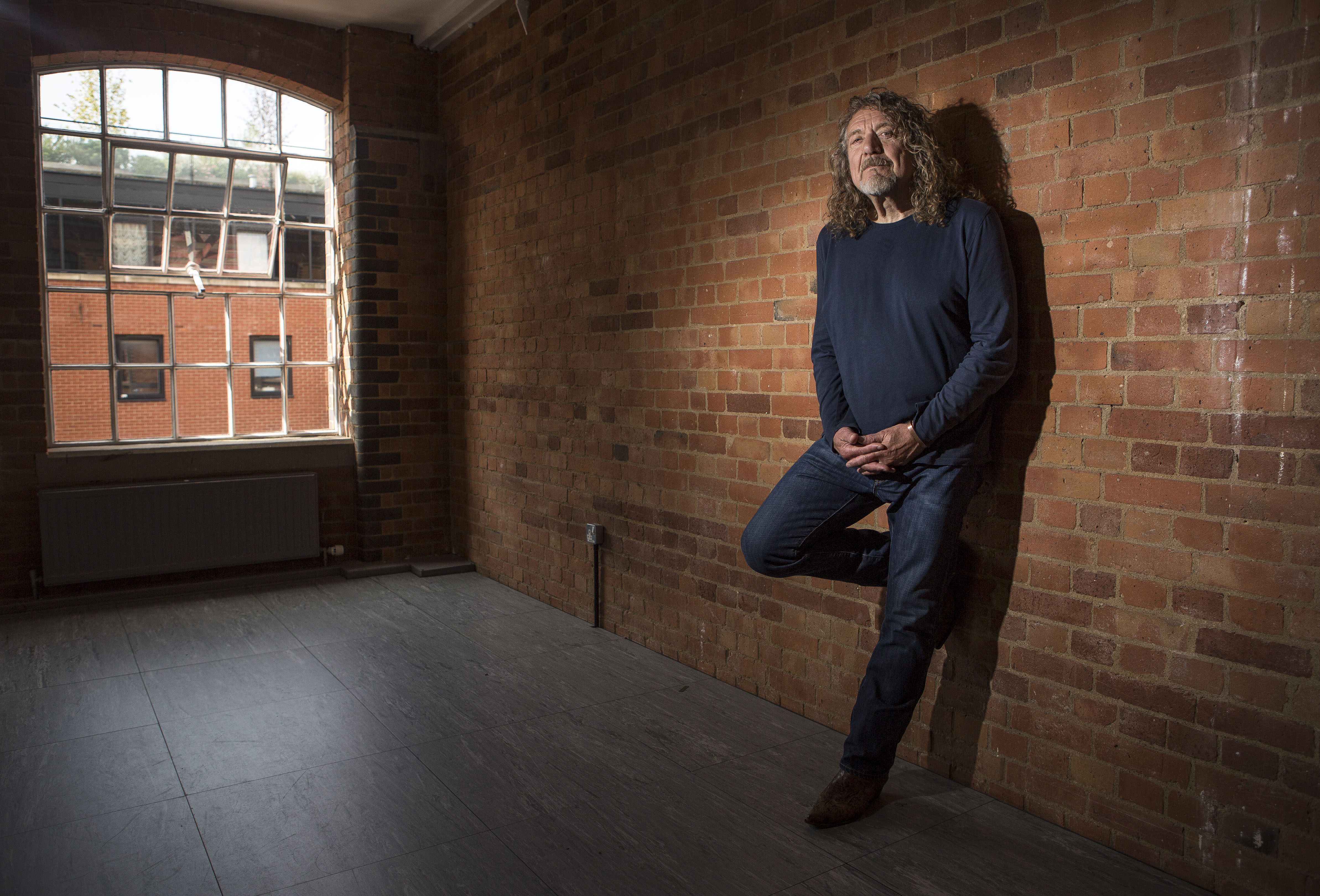 No Robert Plant Didn T Rip Up An 800 Million Contract