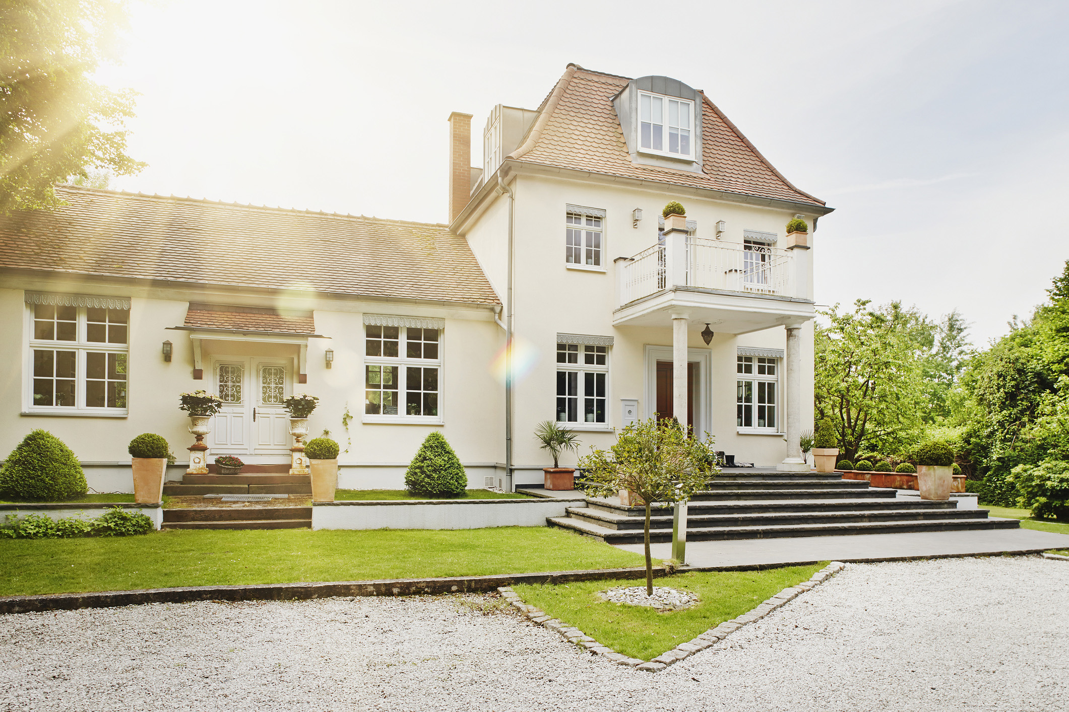 13 popular architectural styles to consider while house for Popular architectural styles