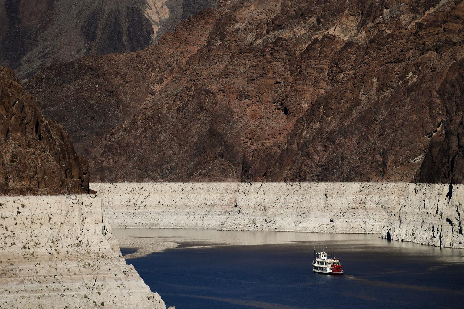 Close Call Feds See 2018 Shortage In Lake Mead Water