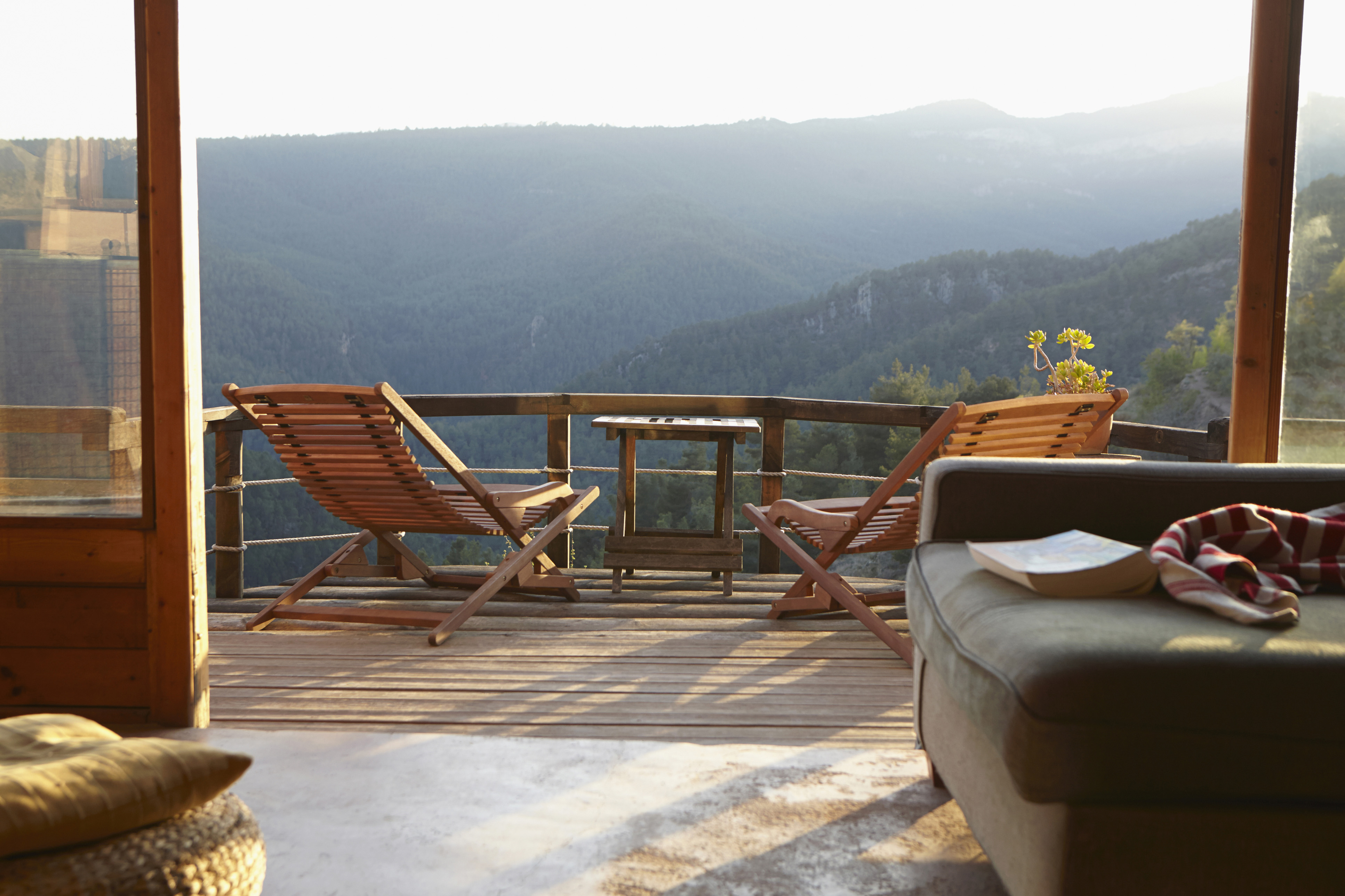 The Pros and Cons of Investing in a Vacation Home