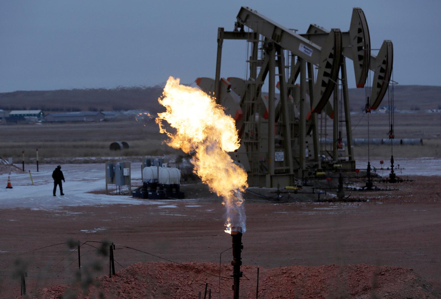 House votes to overturn obama rule on natural gas 39 flaring 39 political news us news - Grillplaat gas b ruleurs ...